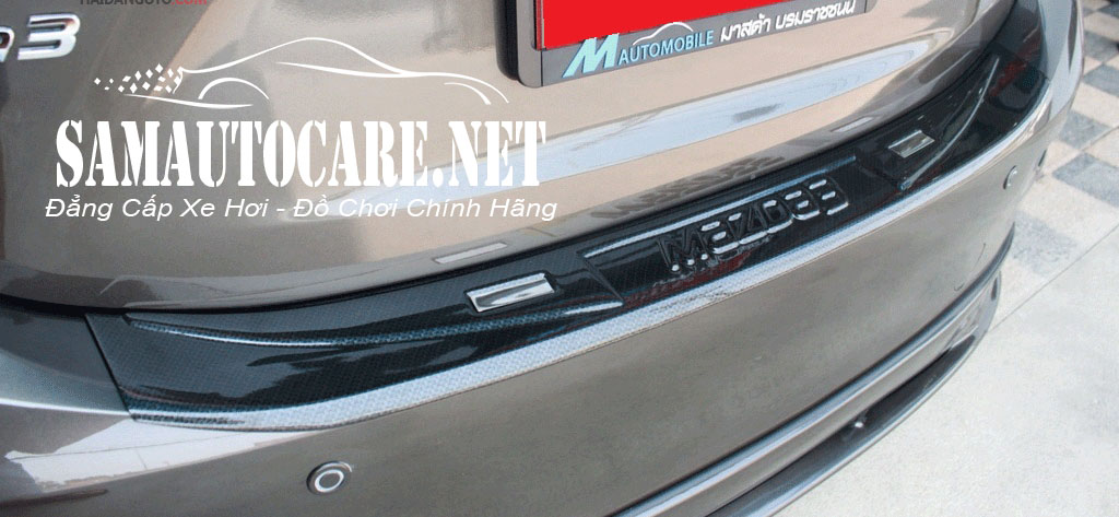 Nẹp Cốp Sau Chống Trầy Carbon Mazda 3 2015