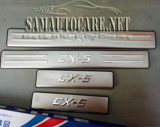 Ốp Bậc Cửa Inox Xe Mazda CX5