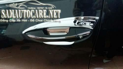 Lót Tay Nắm Cửa New Corolla Altis
