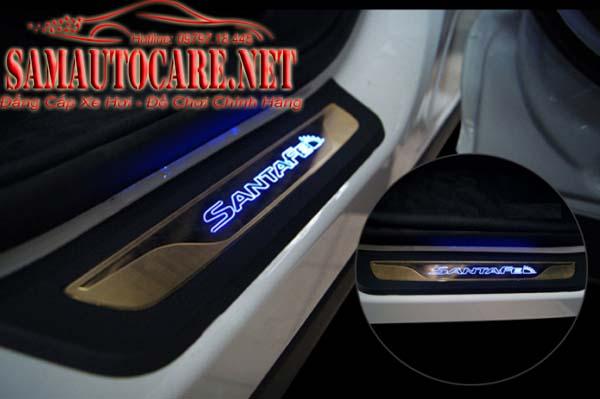 Nẹp Bước Chân Chống Trầy Hyundai Santafe 2015 - Có đèn