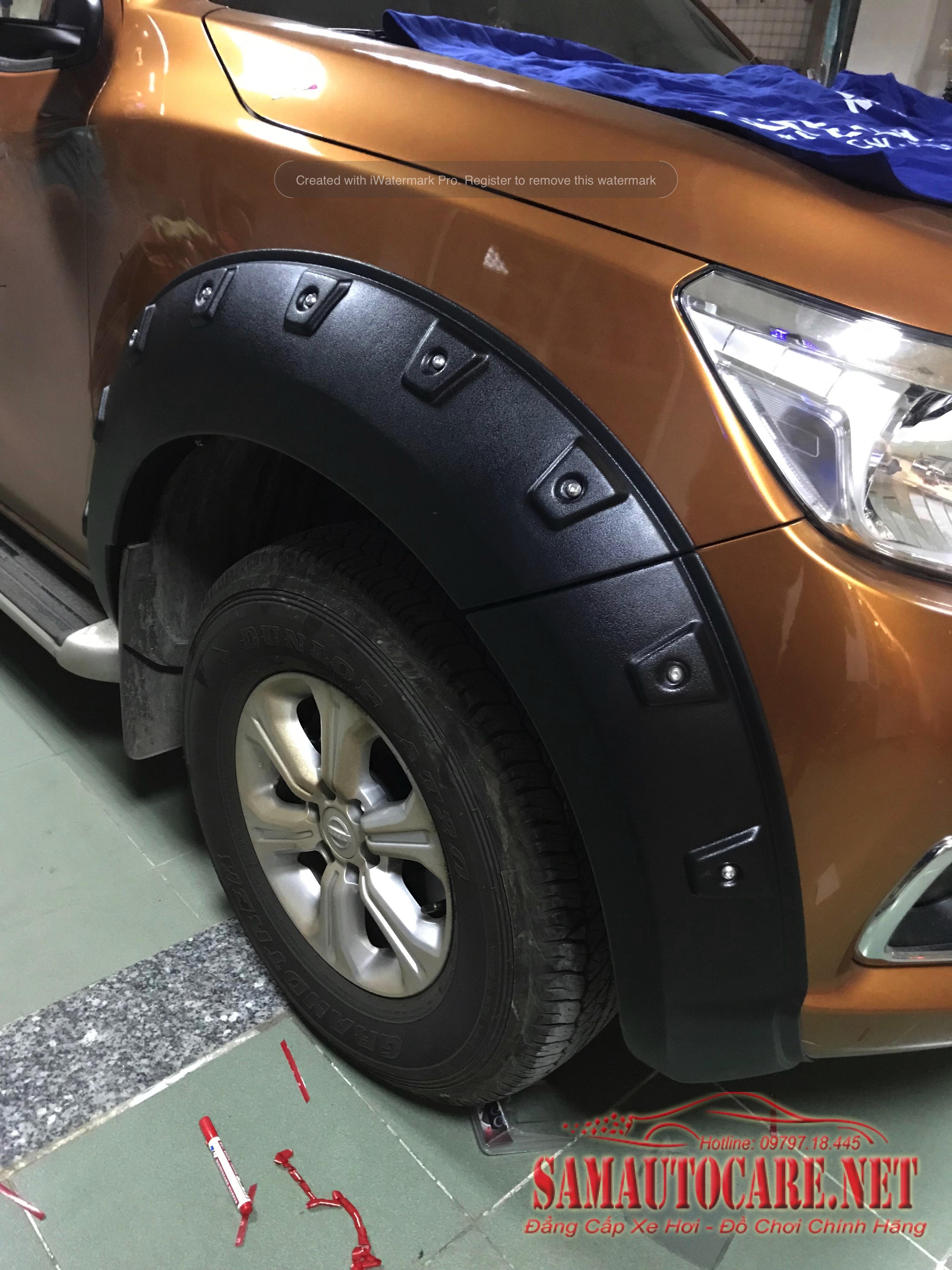Ốp Cua Lốp Xe Nissan Navara 2017