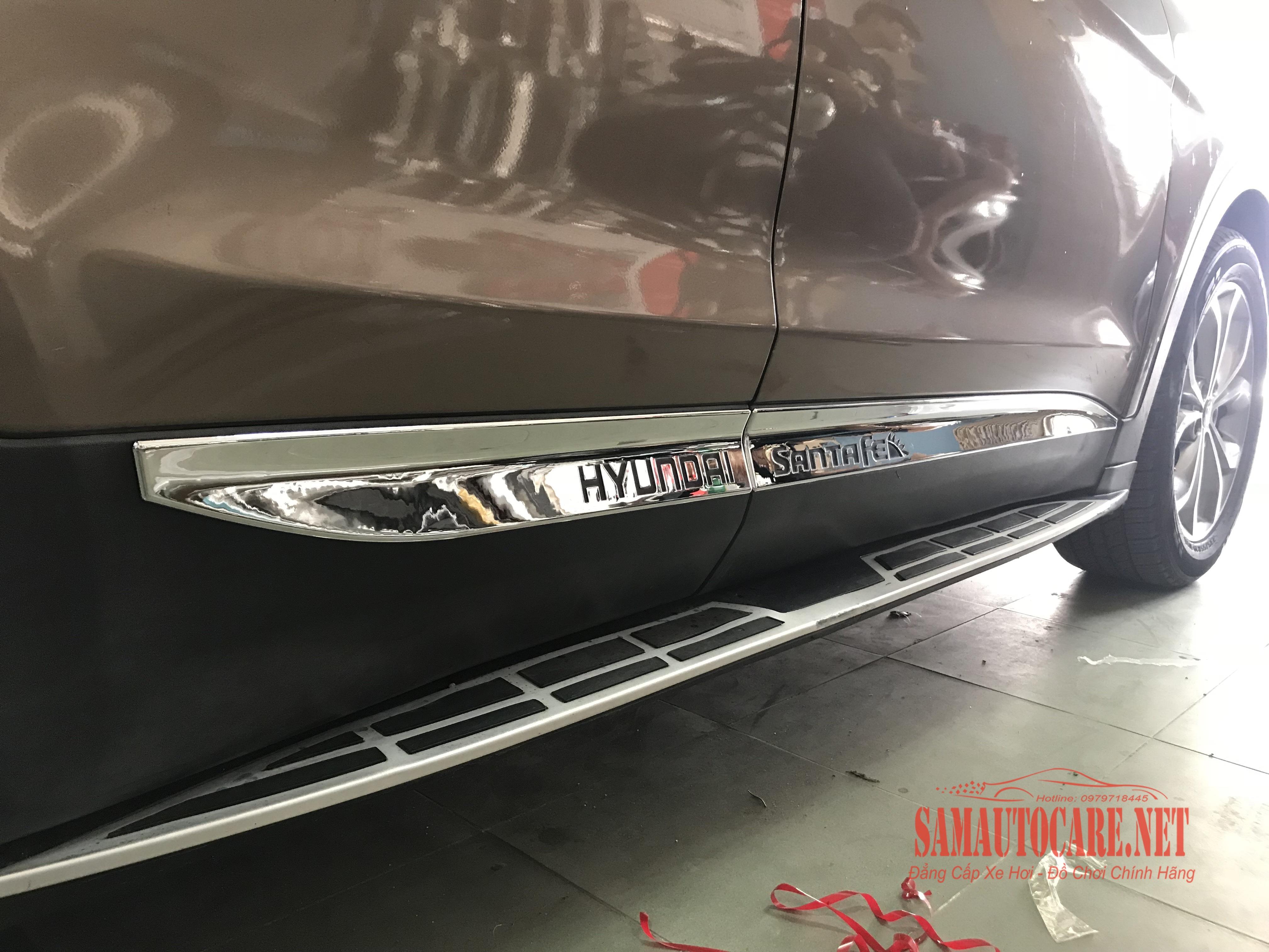 Nẹp Ốp Hông Xe Hyundai Santafe 2017