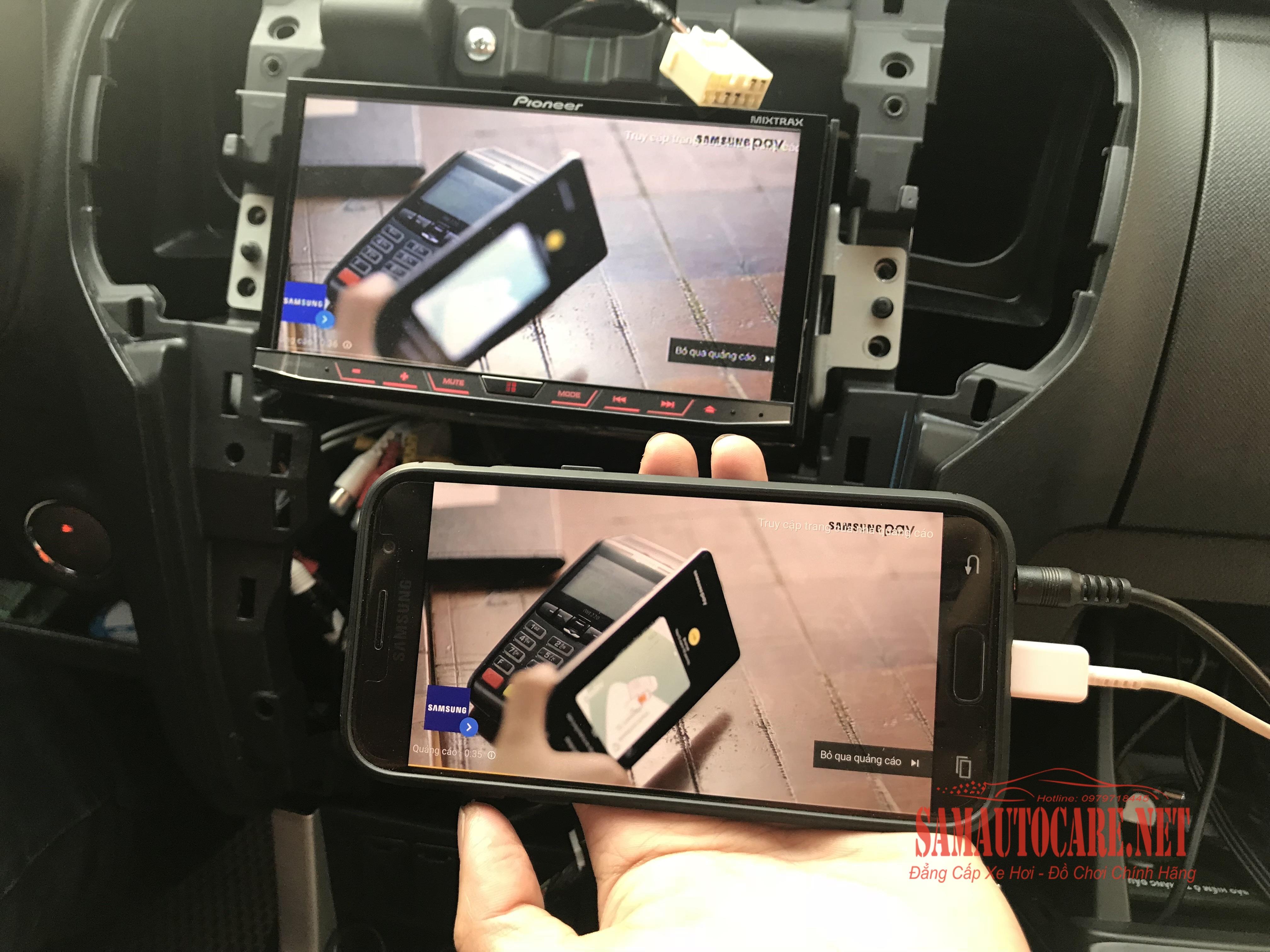 Bộ Chuyển Đổi Tín Hiệu Truyền Smartphone Lên DVD Ô Tô