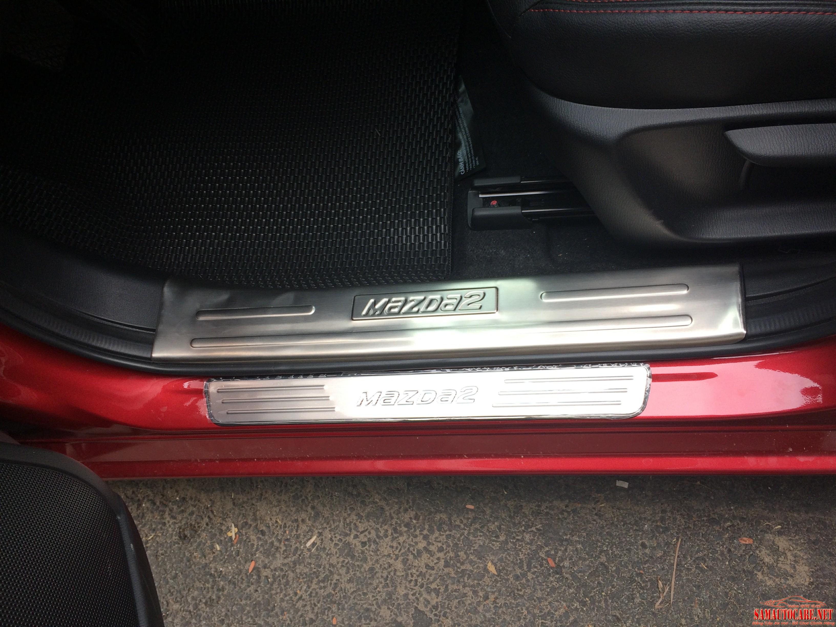 Nẹp Bước Chân Trong Mazda 2