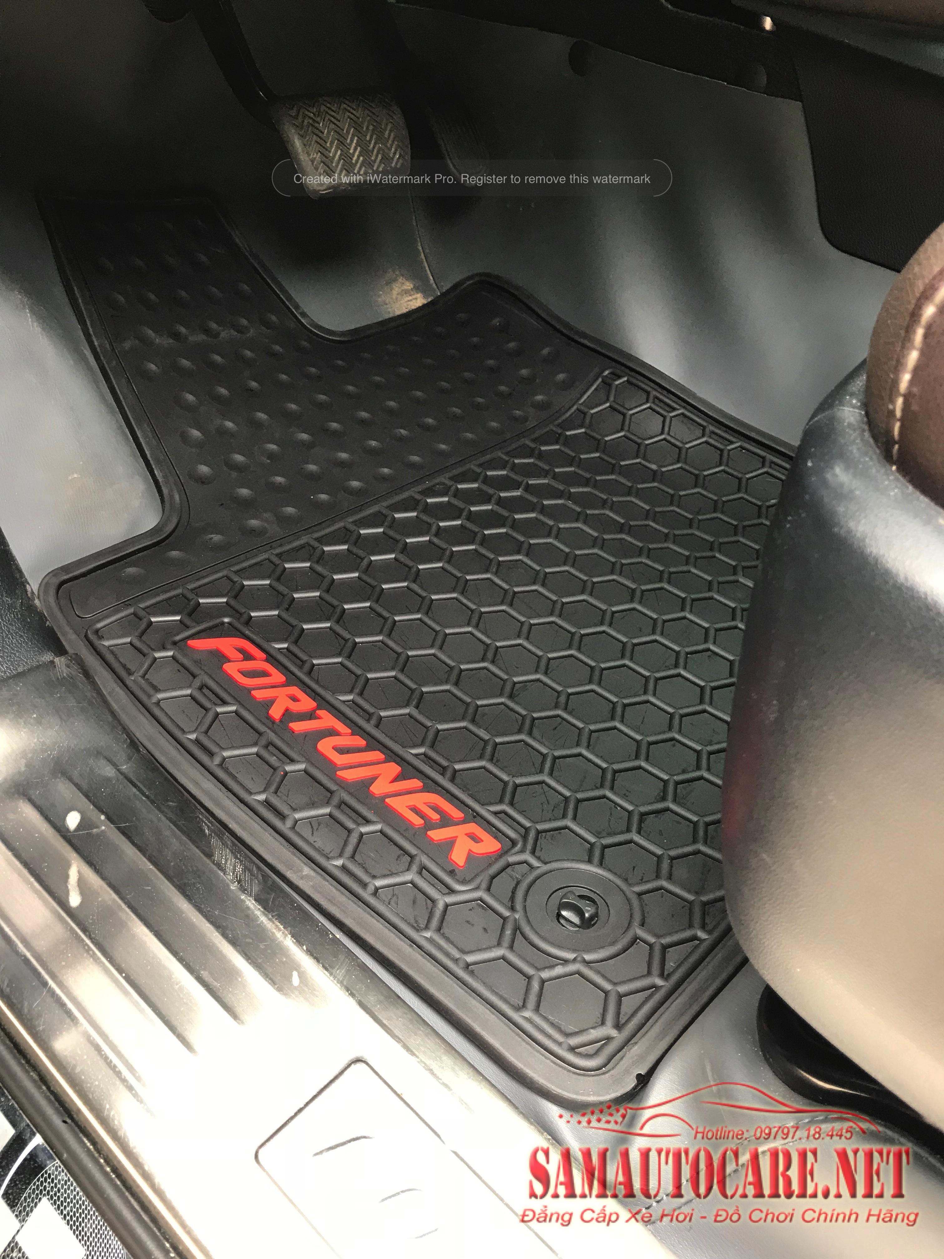 Thảm Lót Sàn 3D Toyota Fortuner 2017