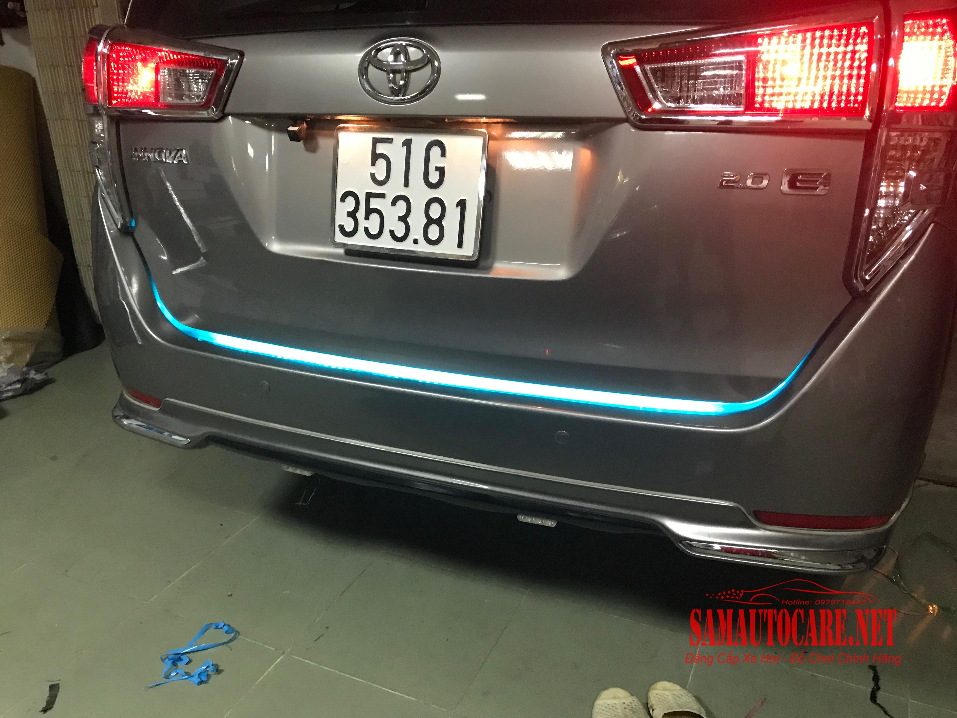 Led Cốp Xi Nhan Innova 2017